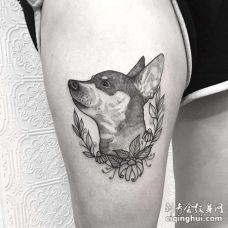 线条大腿狗纹身图案