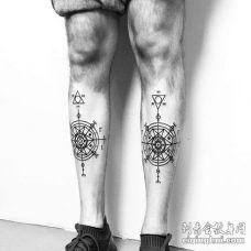 线条几何小腿罗盘纹身图案