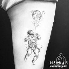点线大腿宇航员星球纹身图案