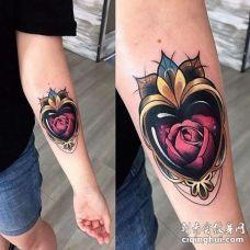 New School小臂心玫瑰纹身图案