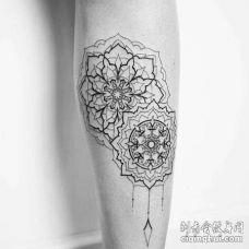 线条几何小腿繁花纹身图案