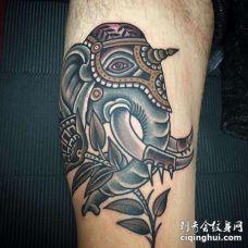 Old School大腿大象纹身图案