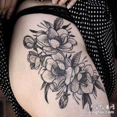 Old School大腿花卉纹身图案