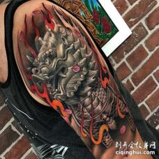 新传统大臂麒麟纹身图案