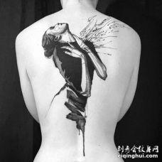 点线后背人像纹身图案