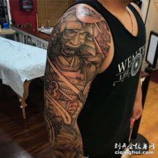 新传统胳膊武士鲤鱼纹身图案