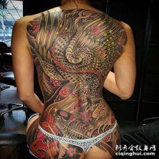 新传统后背鲤鱼凤凰纹身图案