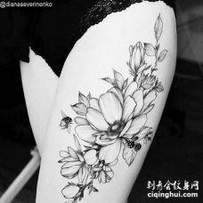 点线大腿花卉纹身图案