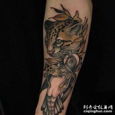 New School小臂豹子鸽子纹身图案
