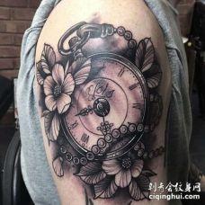 New School大臂钟表纹身图案
