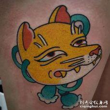 日式大腿黄鼠狼纹身图案