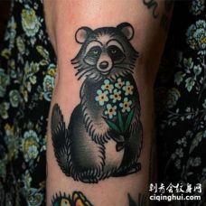Old School小腿浣熊纹身图案