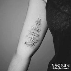 点线小臂帆船纹身图案
