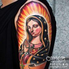 New School大臂圣母纹身图案