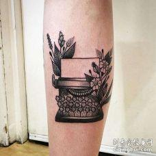New School小腿打字机纹身图案