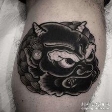 新传统小腿唐狮纹身图案