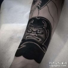 新传统小腿达摩蛋纹身图案