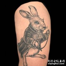 New School大腿兔子纹身图案