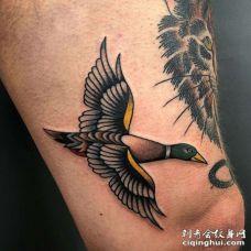 Old School大腿野鸭纹身图案