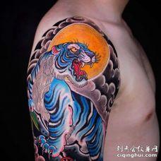 日式大臂老虎纹身图案