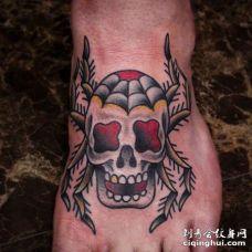 Old School脚背骷髅纹身图案