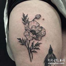 线条大腿花卉纹身图案