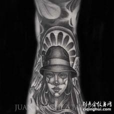 写实脚背女人纹身图案