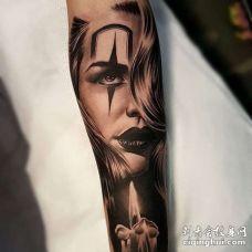 写实小臂女人蜡烛纹身图案