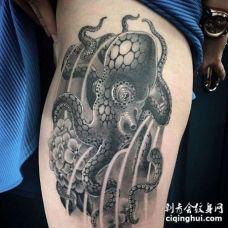 大腿章鱼纹身图案