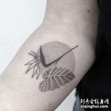 点刺小臂叶子纹身图案