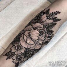 New School小臂花卉纹身图案