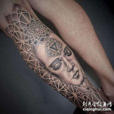 点刺小腿繁花纹身图案