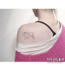 小清新后肩地图纹身图案
