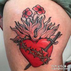 New School大腿心纹身图案