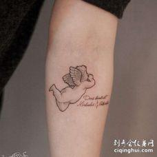 小清新小臂天使纹身图案