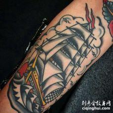 Old School小腿帆船纹身图案