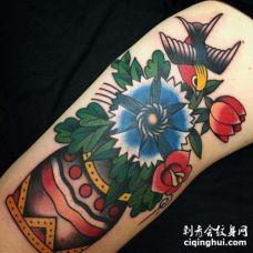 Old School小臂花卉燕子纹身图案