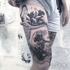 日式大腿蛇纹身图案