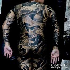 新传统后背骷髅纹身图案