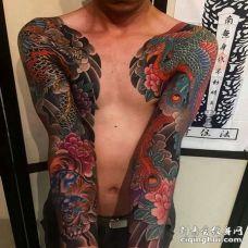 日式胳膊牡丹龙凤凰纹身图案