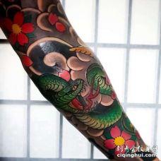 日式小臂蛇纹身图案