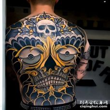 新传统后背嘎巴拉纹身图案