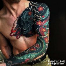 日式胳膊前胸骷髅蛇纹身图案