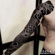 日式胳膊菊花纹身图案