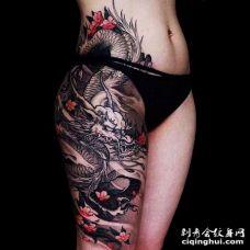 新传统大腿龙纹身图案