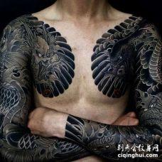 日式胳膊前胸鲤鱼龙纹身图案