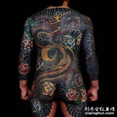 日式后背龙纹身图案