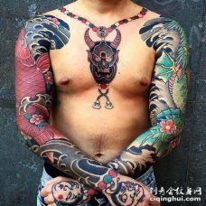 日式大臂鲤鱼纹身图案