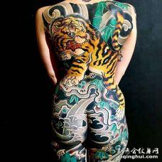 日式后背老虎纹身图案