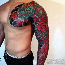 日式胳膊鲤鱼龙纹身图案